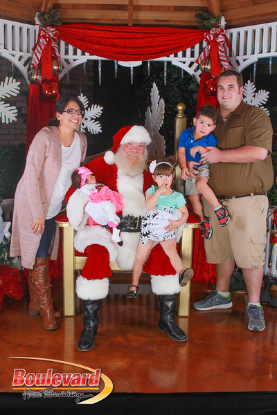 Santa 12-10-16-240.jpg