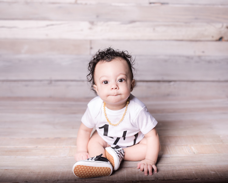 Lennox is 6 months 005.jpg