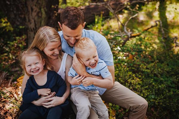 Wallis {Family}