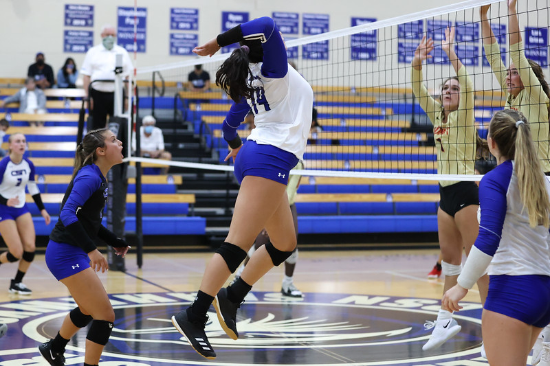 9.8.20 CSN Varsity VB vs Cardinal Mooney - Finals-173.jpg