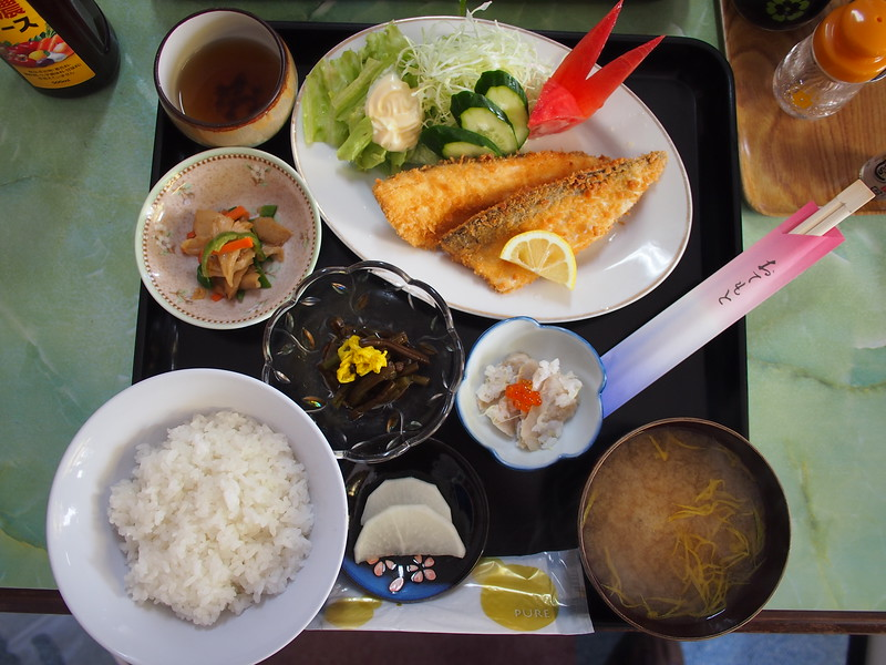 P9297718-lake-towada-lunch.JPG