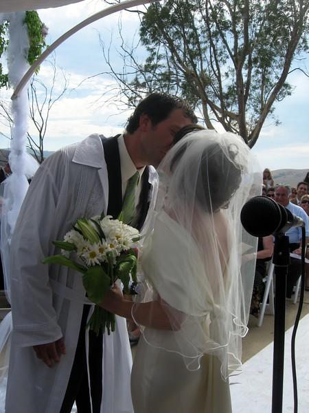 Avram and Abby kiss