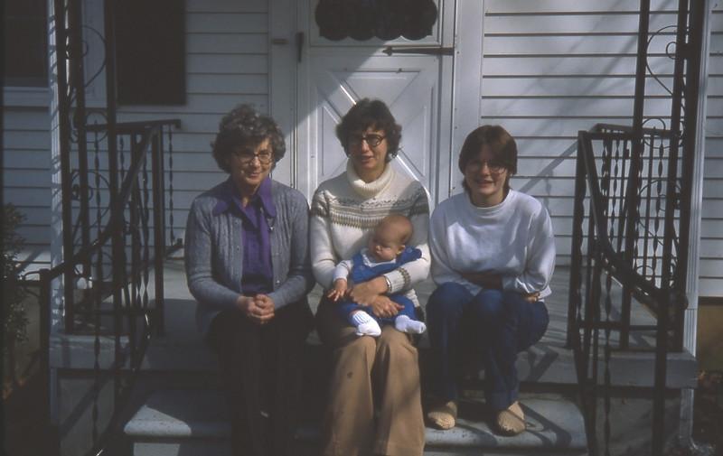 Mom's 90th BD pics 073.jpg