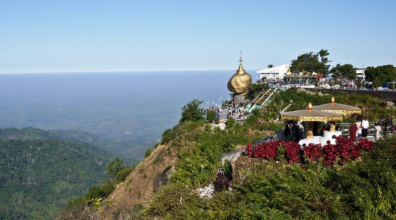 Kyaiktiyo Pagoda, Burma (45).jpg