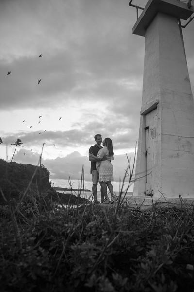 kalapaki-lighthouse-engagement-3.jpg