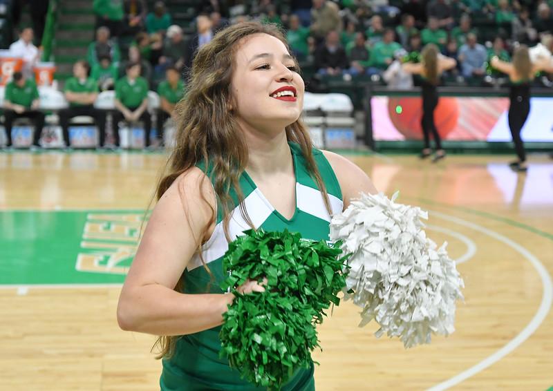 cheerleaders4427.jpg