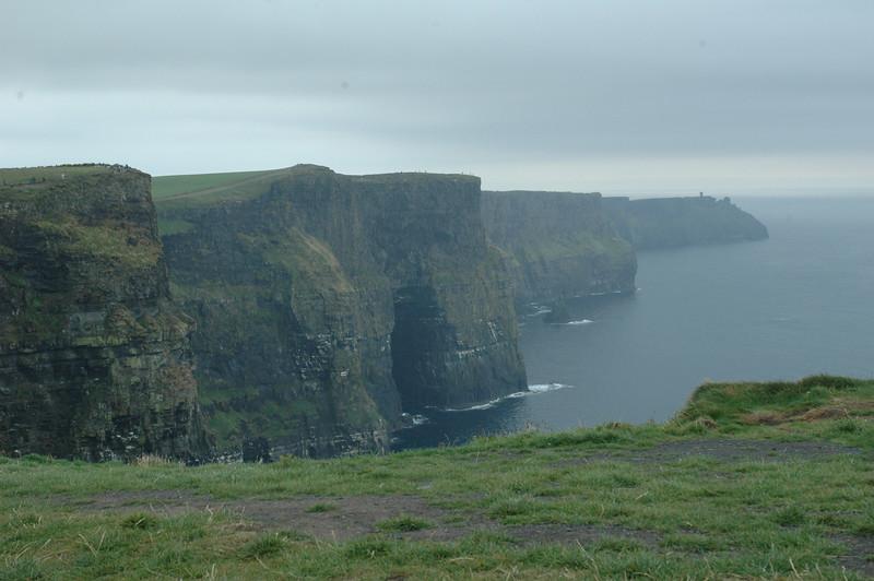 Cliffs of MaharIreland06.jpg