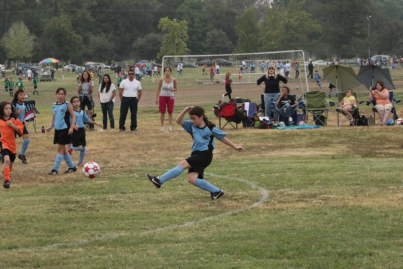Soccer2011-09-10 10-24-36.JPG