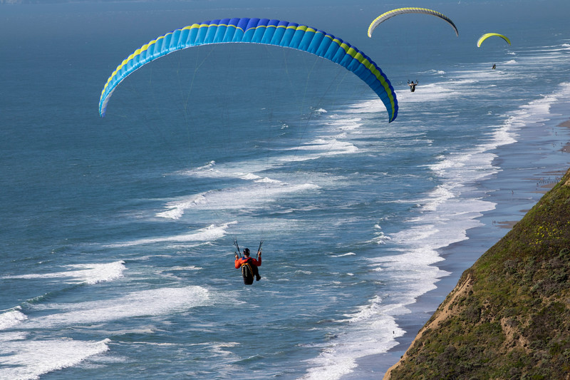 Paragliders in Daly City