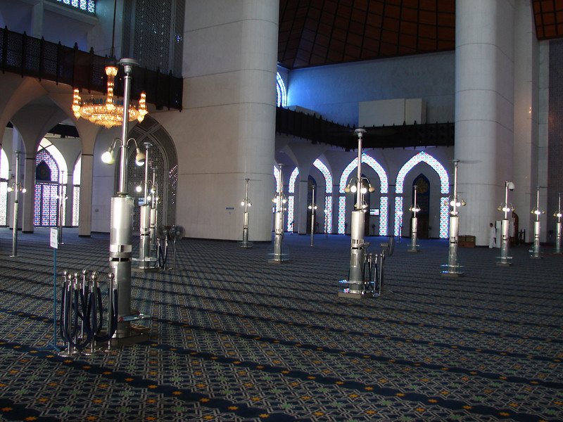 Sultan Salahuddin Abdul Aziz Mosque, known as The Blue Mosque in Shah Alam Malaysia (13).JPG