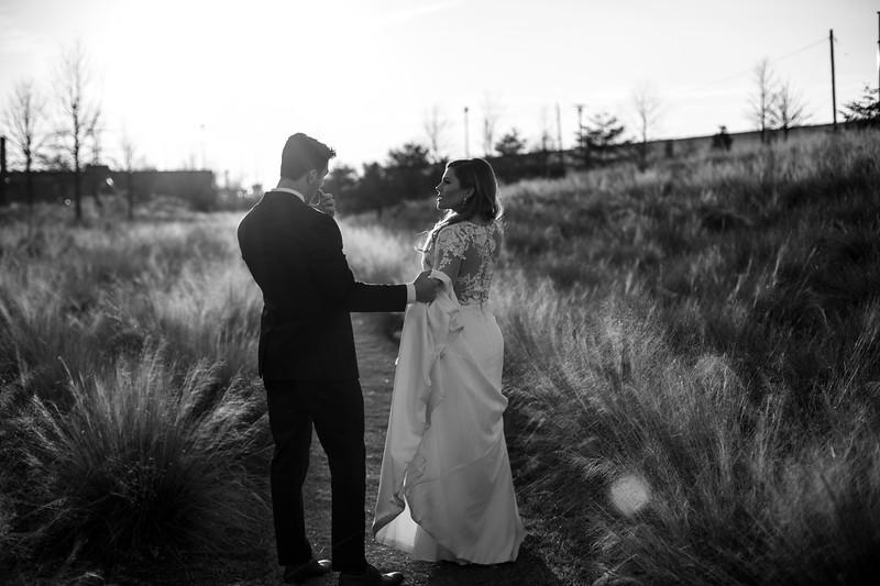 Kate&Josh_B&W_ZACH.WATHEN.PHOTOGRAPHER-423.jpg