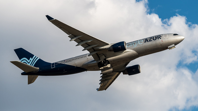 Aigle Azur / Airbus A330-223 / F-HTIC