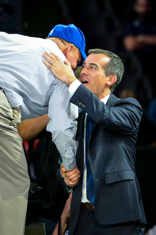 . New Clippers owner Steve Ballmer is greeted by Los Angeles mayor Eric Garcetti at a fan rally at Staples Center Monday August 18, 2014.  ( Photo by David Crane/Los Angeles Daily News )