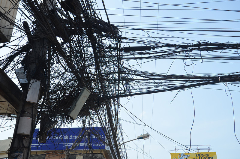 DSC_7414-messed-up-wires.JPG