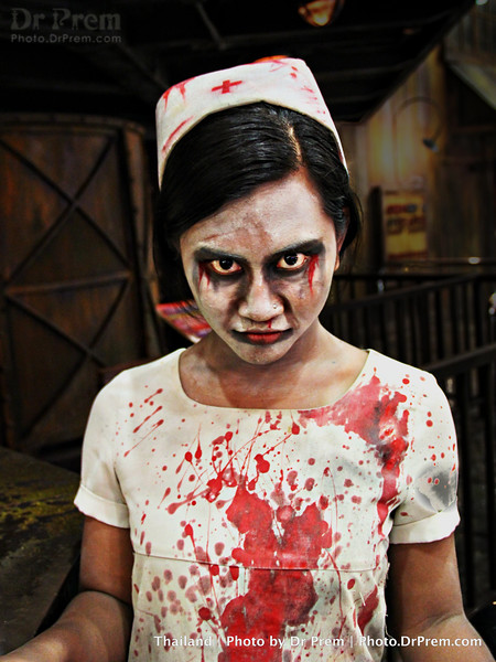 Hallo Halloween From The Blood-Thirsty Nurse