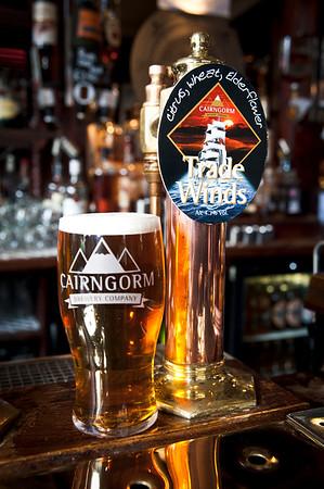 20120822 Cairngorm Pub