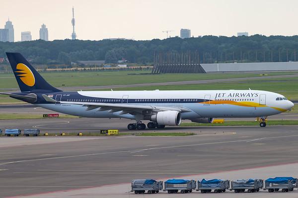 VT-JWT - Airbus A330-302
