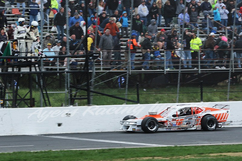 NWMT-STF-ARI-6-Ryan Preece gets checker-55119.jpg