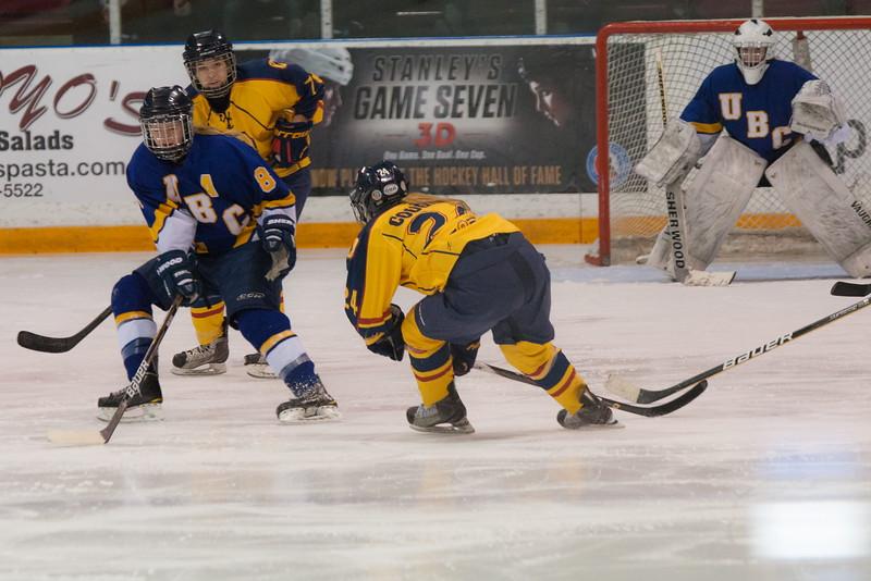 20130310 QWHockeyvsUBC 588.jpg