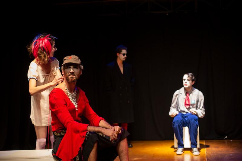 Allan Bravos - essenCIA Teatro - Persona 07-104.jpg