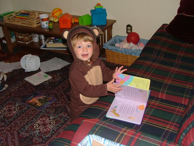 Bears like to read