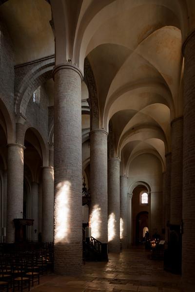 Tournus, Saint-Philibert Abbey Nave Columns