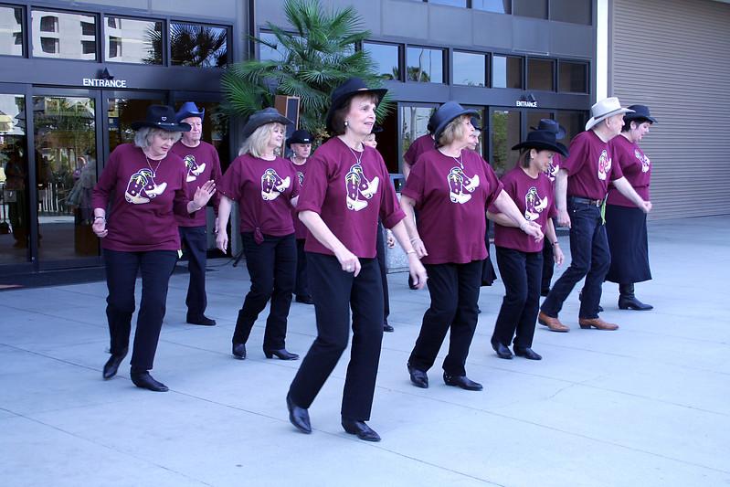 5720 Heel Toe Go Dancers.jpg