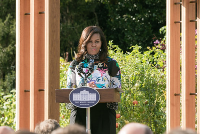 Michelle Obama Dedicates White House Kitchen Garden