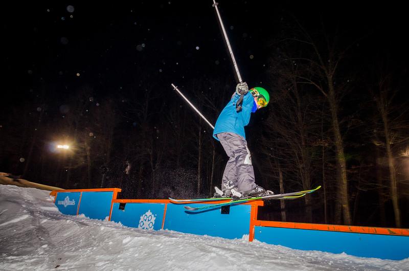 Nighttime-Rail-Jam_Snow-Trails-103.jpg