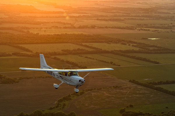 Cessna 172 - Air Capital Aviators Club