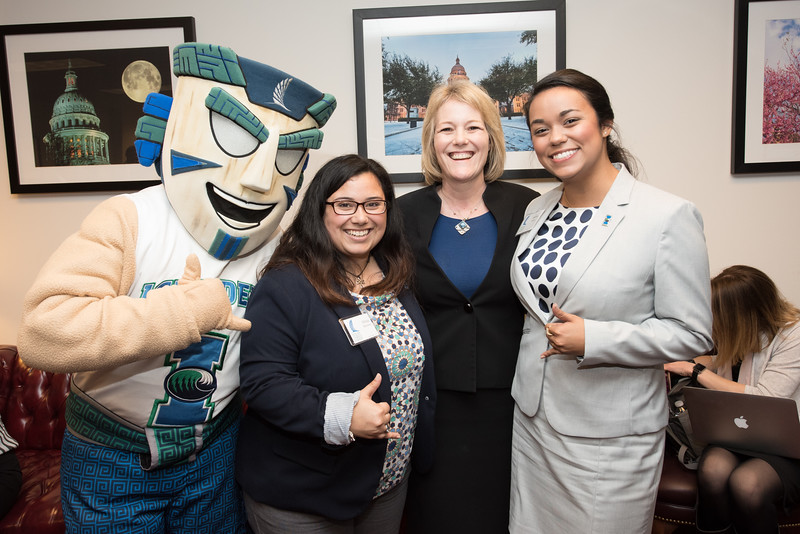 Izzy the Islander (left), Alissa Ramirez, Kelly Quintanilla and Andrea Gilson.