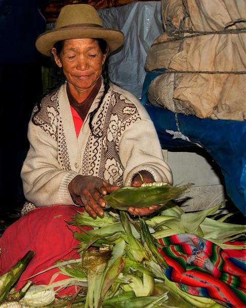 corn vendor in cusco