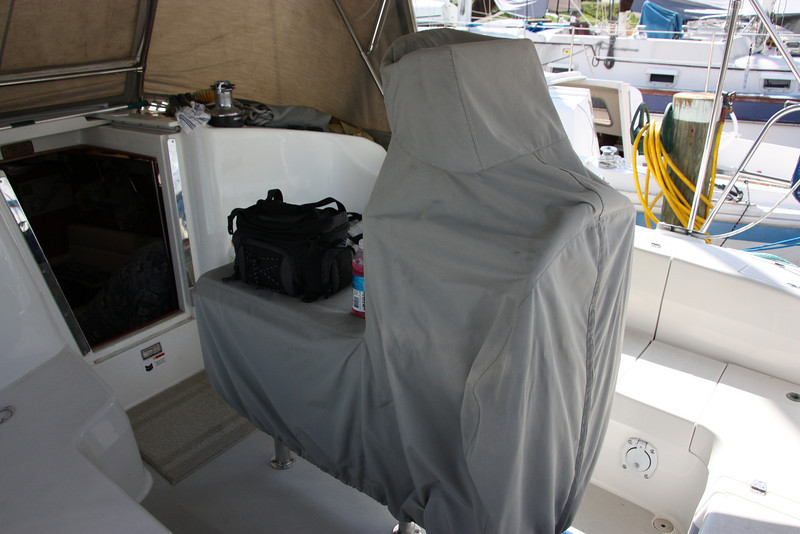 TUIT cockpit table and wheel cover.JPG