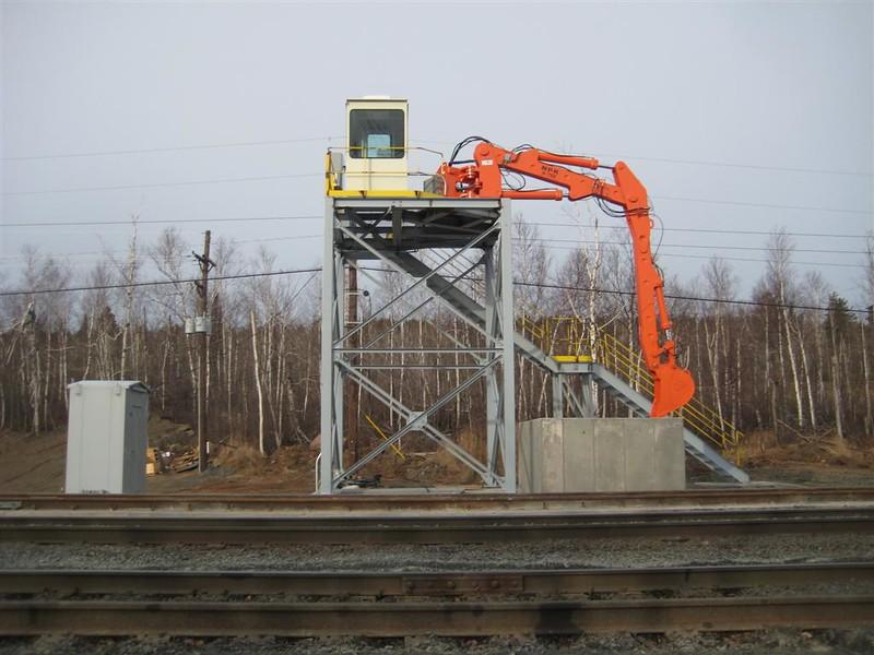 NPK B700 railcar unloader (sn 1N8416) (17).jpg