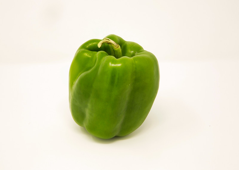Green bell pepper 1.jpg