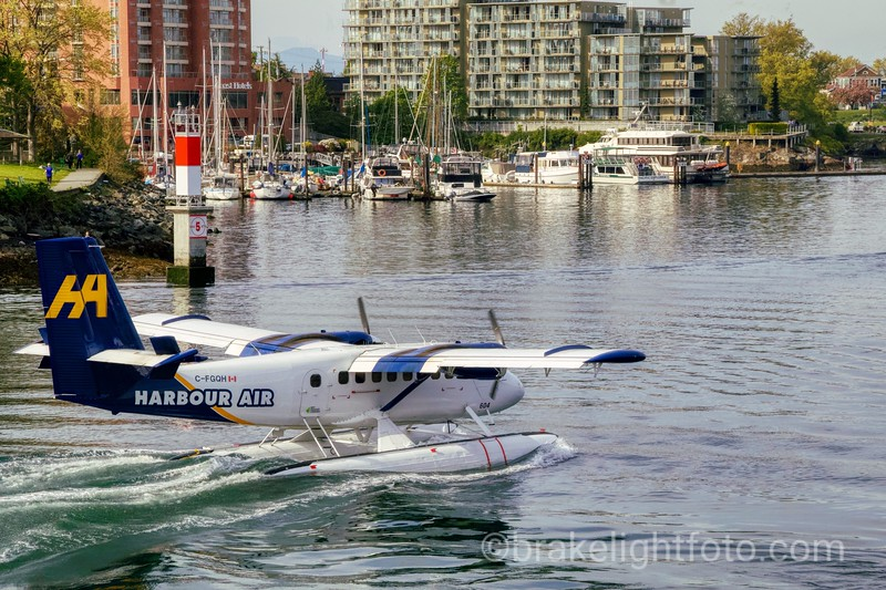 Harbour Air Twin Otter passing through the narrows