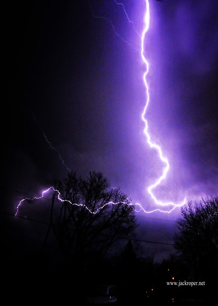 PATIO VIEW LIGHTNING 4-9-2015 .jpg
