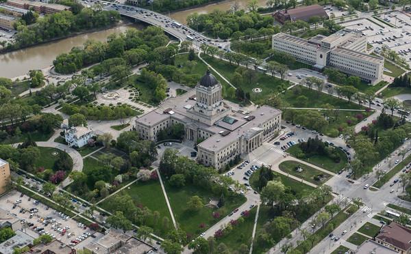 DAVID LIPNOWSKI / WINNIPEG FREE PRESS  Manitoba's Legislative Building  Aerial photography over Winnipeg May 18, 2016 shot from STARS helicopter.