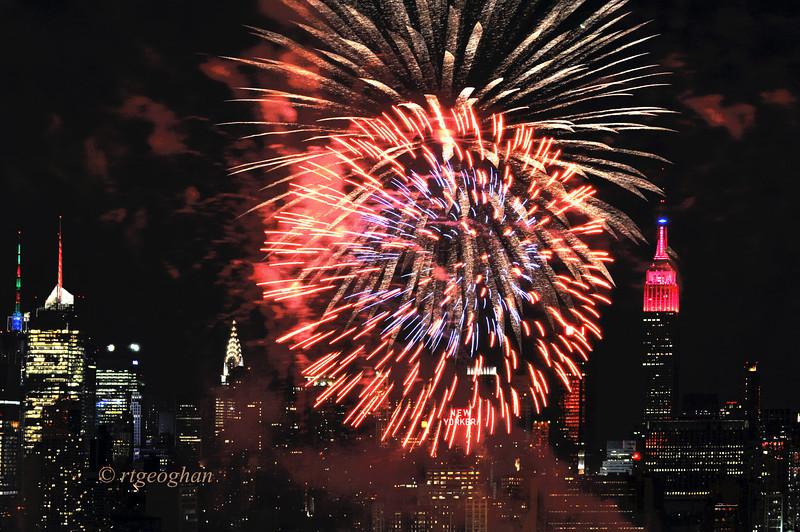 July 4_Macy Fireworksalt_1184.jpg