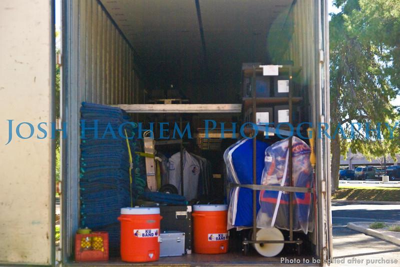 12.29.2008 Unloading the Truck (3).jpg