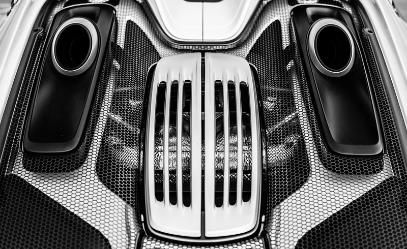 Porshce 918 Spyder | Engine Detail