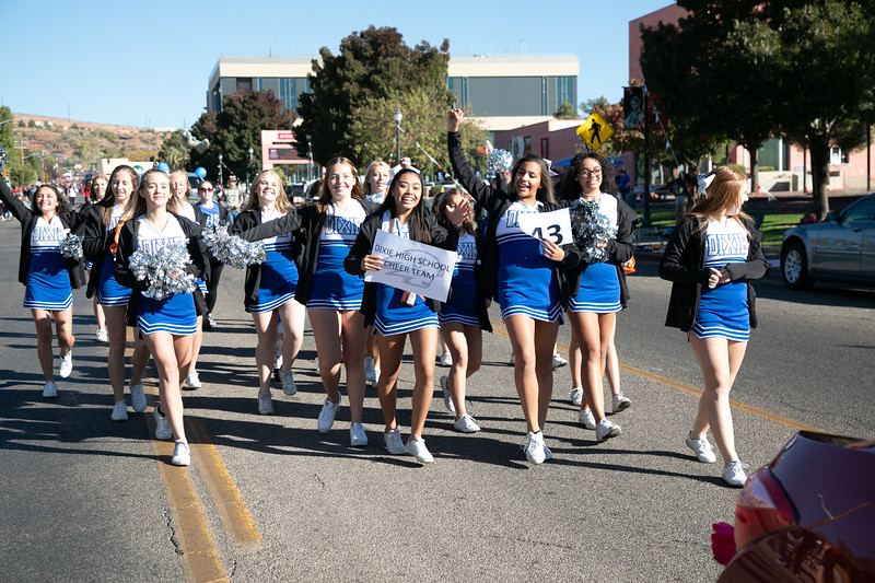 HOMECOMING PARADE 2019-1939.jpg