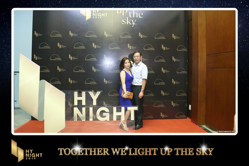 Buzz-Comm-Year-End-Party-instant-print-photo-booth-at-New-World-Saigon-Chup-hinh-lay-lien-Tat-nien-WefieBox-Photobooth-Vietnam-055.jpg