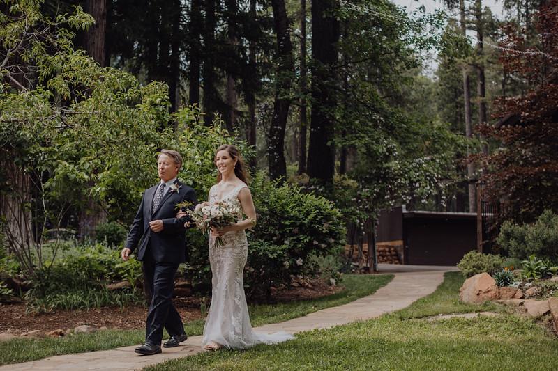 2018-05-12_ROEDER_JulieSeth_Wedding_DUSTIN2_0039.jpg