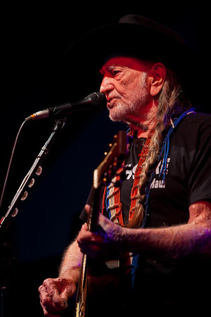 Willie Nelson - Newport Yachting Center June 15, 2013