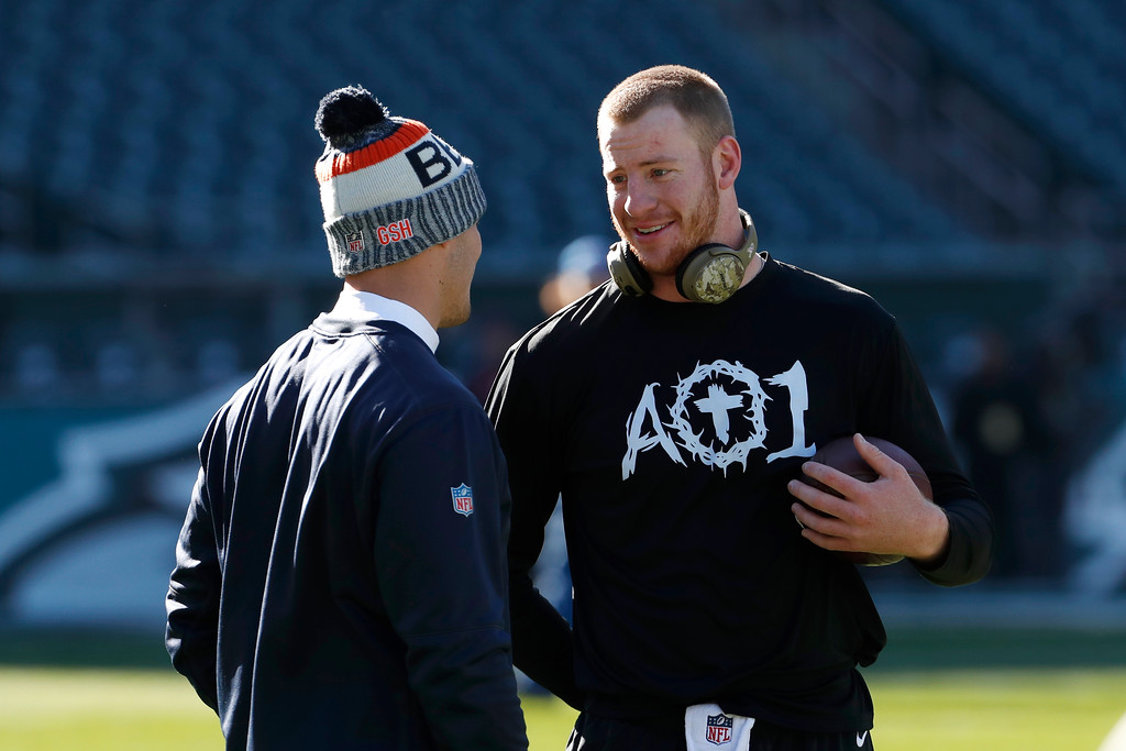 . Philadelphia Eagles\' Carson Wentz, right, and Chicago Bears\' Mitchell Trubisky talk before an NFL football game, Sunday, Nov. 26, 2017, in Philadelphia. (AP Photo/Chris Szagola)