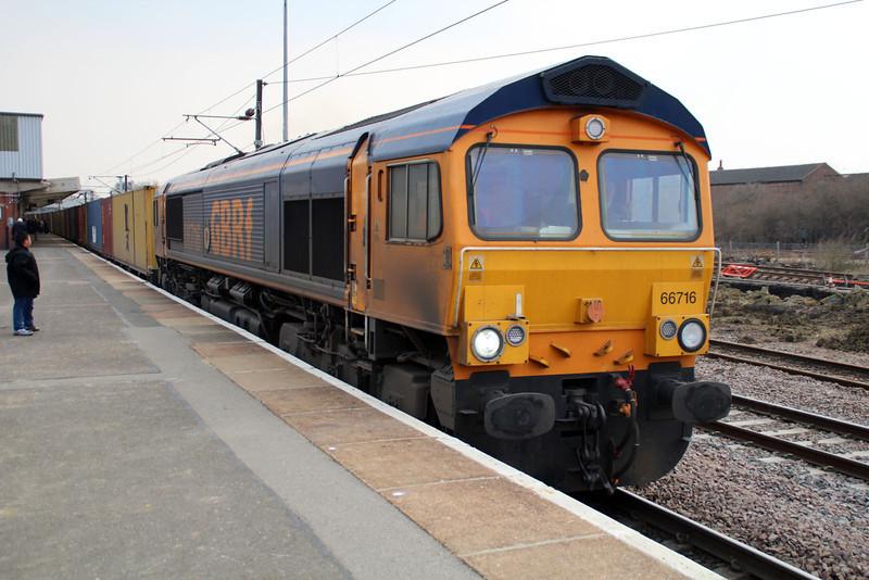 66716 1456/4E33 Felixstowe-Doncaster.