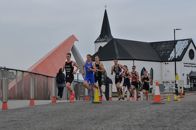 Cardiff Triathlon - Elite Men Run Lap 1 and 2