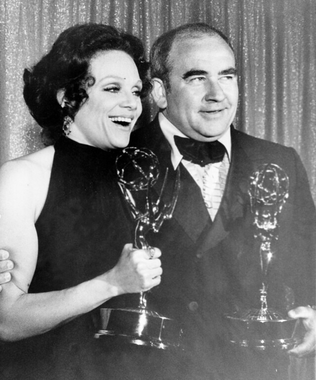 """. Actress Valerie Harper, left, and actor Ed Asner pose with their Emmy statuettes at the annual Primetime Emmy Awards presentation in Los Angeles, Ca., May 9, 1971. Harper won best supporting actress and Asner won best supporting actor for their role in a comedy performance for \""""The Mary Tyler Moore Show.\""""  (AP Photo)"""