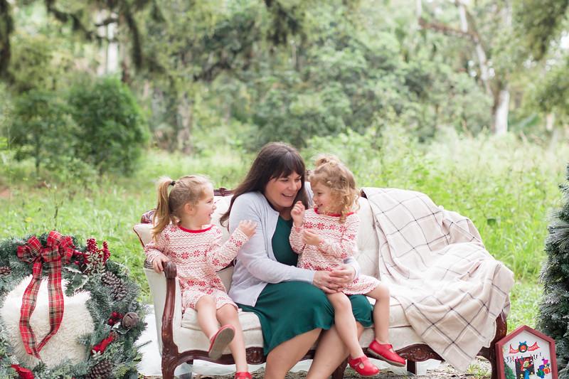 Holiday Minis- Bogie Family-25.jpg